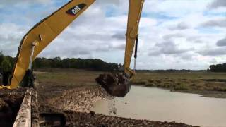 getlinkyoutube.com-CAT 336D Long Reach Excavator Cab & Dumper view