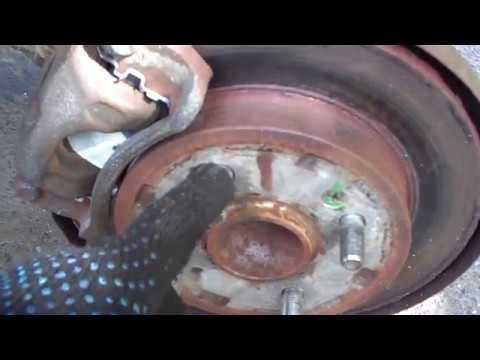 Как поменять задние тормозные колодки Hyundai i10 | Kia Picanto