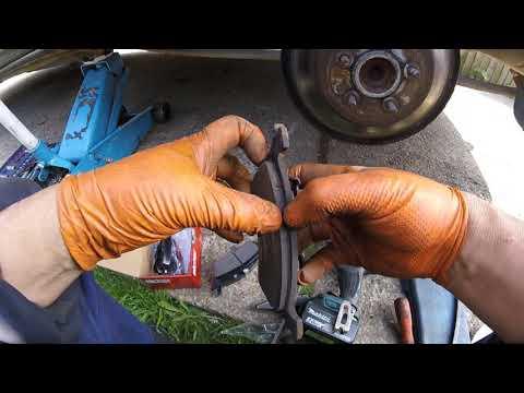 Как поменять задние тормозные колодки Chrysler Dodge/How to change the rear brake pads