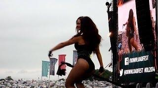 getlinkyoutube.com-Steel Panther - Asian Hooker (Live - Download Festival, Donington, UK, June 2014)