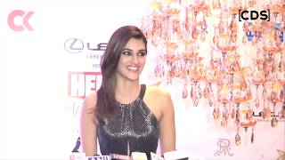Kriti Sanon Hot At Hello Hall Of Fame Awards 2018