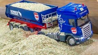 getlinkyoutube.com-RC tractors and trucks in ACTION! BIG FUN in 1/32 scale!