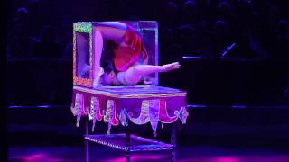 getlinkyoutube.com-The Seyranyan Sisters - Contortion in a Cube at the 37th Monte-Carlo International Circus Festival