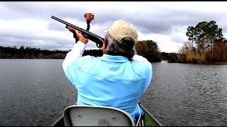 getlinkyoutube.com-He Brought a Shotgun Bass Fishing