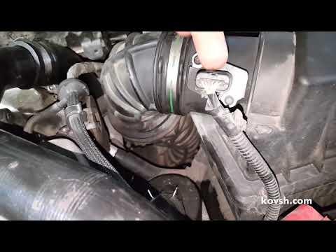 Причина недостаточной мощности — порванный патрубок воздушного фильтра. Ford Transit Connect 1.8TDCi