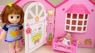 getlinkyoutube.com-Baby doll poops & peeps on Toilet toy 콩순이 뽀로로 응가놀이 장난감