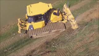 getlinkyoutube.com-terrassement avec un bulldozer komatsu D61PX