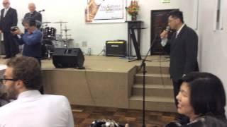 "Orlando cantando ""Love me tender"" nas bodas de ouro da Jurema e Adilson. 12/09/15"