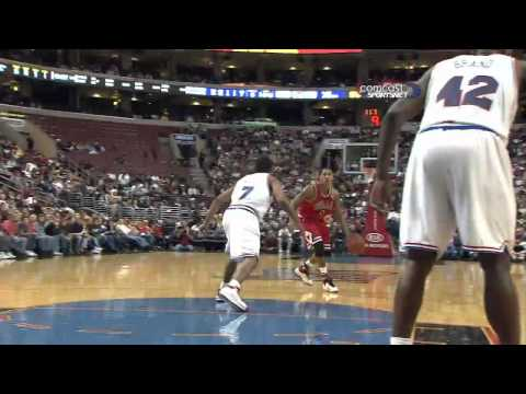 Derrick Rose Crossover on Andre Miller -88LdxbVY4J0