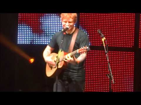 Ed Sheeran - Gold Rush (Live @ Sydney Entertainment Centre)
