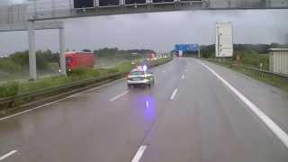 getlinkyoutube.com-A7 Vollsperrung  Von der Polizei umgeleitet   LKW