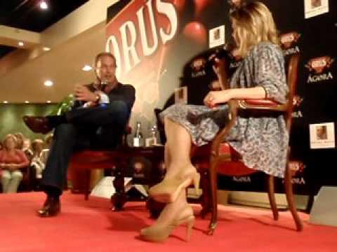 EN LA CAMA CON BERTIN OSBORNE  MARI CRUZ SORIANO INTERVIEWS  AGORA ORUS  ZARAGOZA