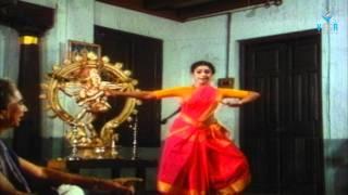 getlinkyoutube.com-Shobana Bharatanatyam Dance : Mahamayee ( Video Song )