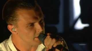 getlinkyoutube.com-HURTS - Somebody To Die For (T in the Park 2013)