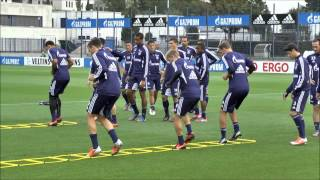getlinkyoutube.com-FC Schalke Training 21.09.2012