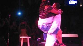 getlinkyoutube.com-Keith Sweat picks BIG GIRL out audience & Freaks her down on Stage!