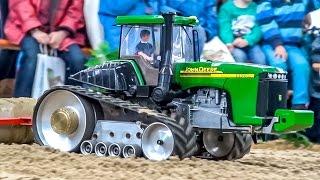 getlinkyoutube.com-RC tractors in 1:16! Amazing farming world!