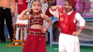 getlinkyoutube.com-dance performance on kajra mohabbat wala......by d.a.v. school kids,paonta sahib.