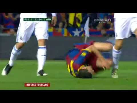 David Villa's lame dive in 2011 Copa del Rey (Real Madrid vs Barcelona)