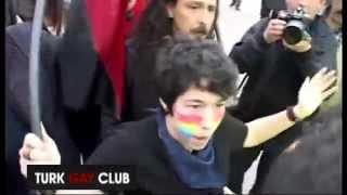 getlinkyoutube.com-'Ben lezbiyenim beni erkek polis arasın'