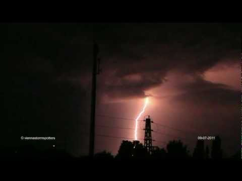 Intense lightning storm near Vienna 09-07-2011 Extremes Gewitter