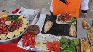 Fish Sandwiches from Istanbul/ Istanbul Balik Ekmek