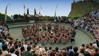 getlinkyoutube.com-Kecak Dance In Uluwatu | TARI KECAK PURA ULUWATU PART 1