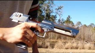 getlinkyoutube.com-Desert Eagle .50AE shooting