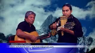 Amado Espinoza y una demostración de destreza con instrumentos andinos de cuerda y viento