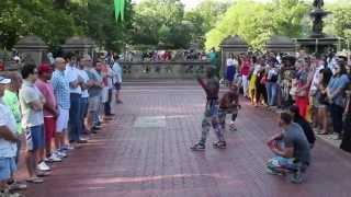 getlinkyoutube.com-PowerHouse - New York Urban Street Performers.  (Street Artists Series)