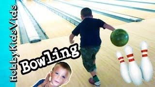 getlinkyoutube.com-First Time BOWLING! HobbyPig + HobbyFrog, HobbyBear Strike Out HobbyKidsVids