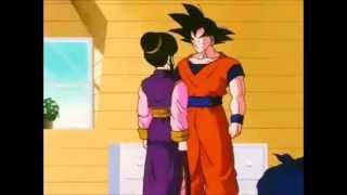 Goku besa a Milk