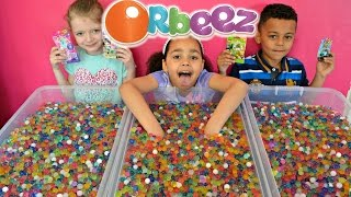 getlinkyoutube.com-ORBEEZ Challenge | Shopkins | LEGO Minifigures  |  MLP Prizes #2 | Toys AndMe