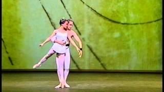 吉田都、ブルース サンサム「交響的変奏曲」の画像
