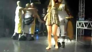 getlinkyoutube.com-Putaria geral no palco do baile