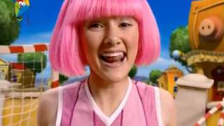 getlinkyoutube.com-Lazy Town - Give a Little More (Heb)