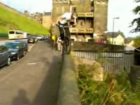 Bicycle Freerunning\Bicycle Freestyle with Danny MacAskill