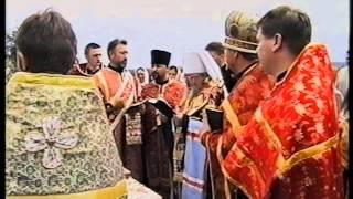 Як монахи УПЦ (МП) ламали хрест
