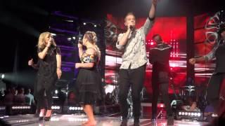 getlinkyoutube.com-Kelly Clarkson ft. Pentatonix- Heartbeat Song (Radio City Music Hall) 7/16/15