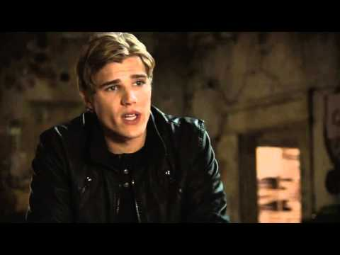 Thomas Dekker The Secret Circle Bloopers - Chris Zylka
