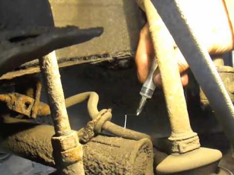 Эксперимент: протыкаем тормозные шланги иглами.
