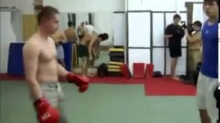 getlinkyoutube.com-Тайский боксер против качка