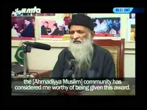 Abdus Sattar Edhi receives 2010 Ahmadiyya Muslim Peace Prize