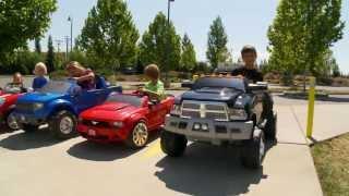 getlinkyoutube.com-Power Wheels Race - Boys vs Girls