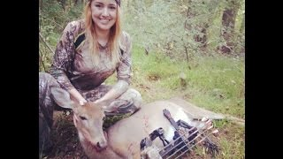 getlinkyoutube.com-THE MOMENT TV: Julia Takes Her First Deer with the BOW!
