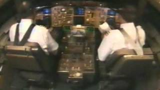 getlinkyoutube.com-Aviation: A lot of things at the same time in a cockpit