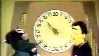 getlinkyoutube.com-Classic Sesame Street - Beat the Time with Guy Smiley and the Count