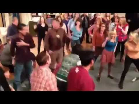 The Big Bang Theory flash mob full version