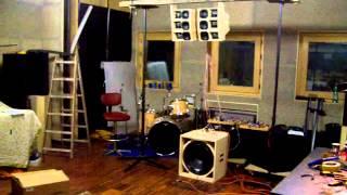 getlinkyoutube.com-DIY line array built using FaitalPro loudspeakers and RCF subwoofer (second prototype)