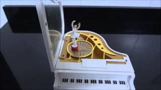 Caixa de Música Piano com Bailarina